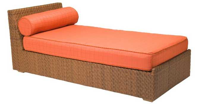 Domino Wicker Stationary Chaise Lounge