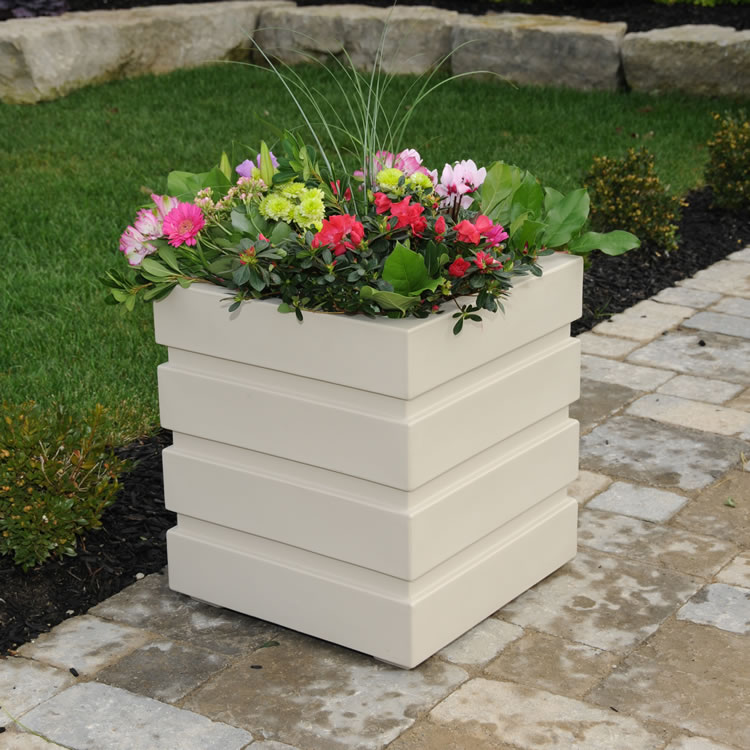 Freeport Patio Planter 18×18 Clay