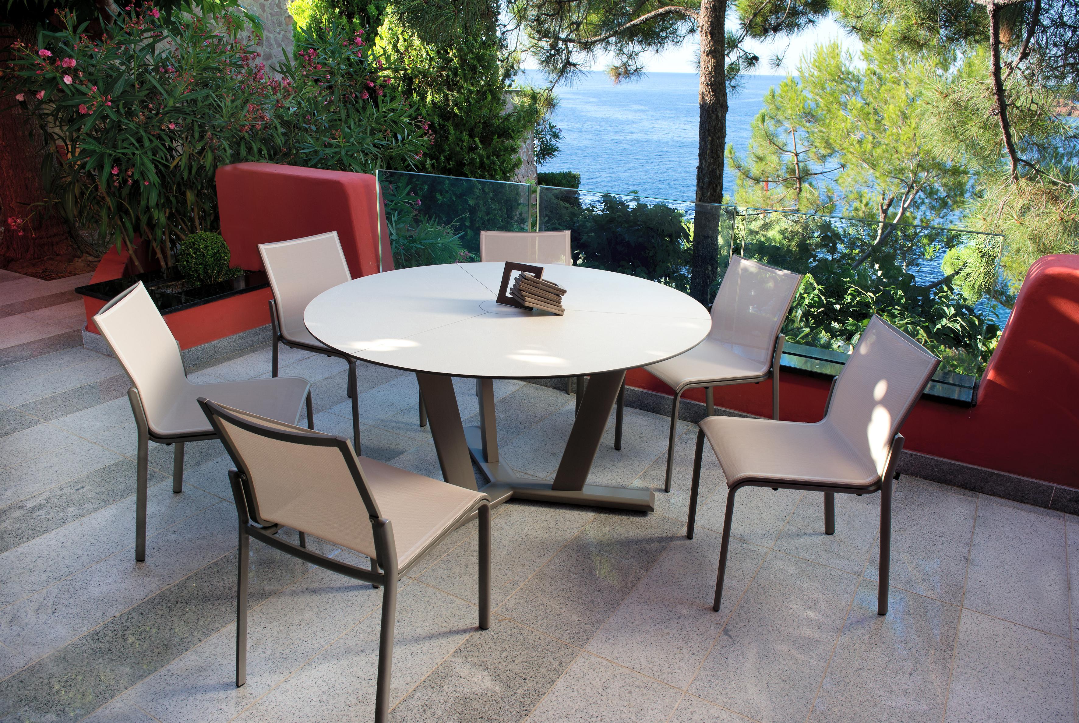 Les Jardins Hegoa Dining Table