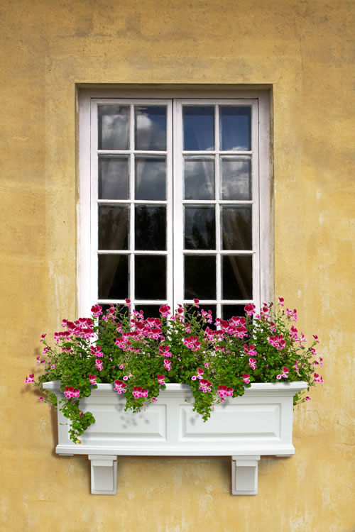 Nantucket Window Box 3FT White, Black, Clay, Red, Green