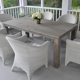 Kingsley-Bate Valhalla Rectangular Dining Table 73�