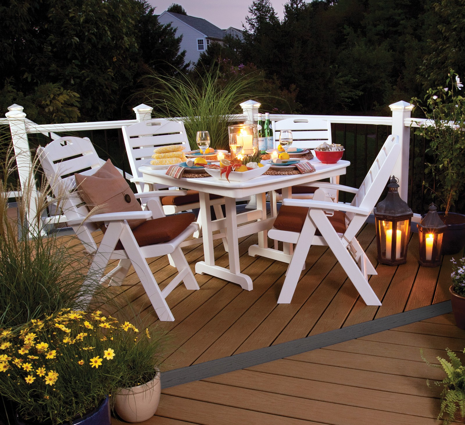 Trex� Outdoor Furniture� Yacht Club 5 Piece Seating Ensemble