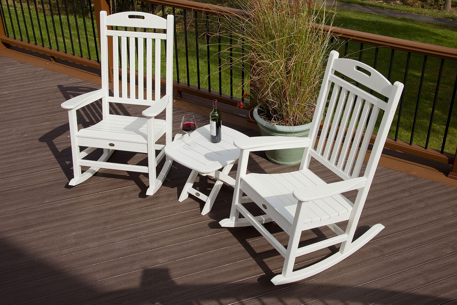 Trex� Outdoor Furniture� Yacht Club 3 Piece Seating Ensemble